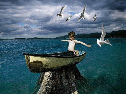 Чтобы управлять собой и контролировать возникновение эмоций, следует не вовлекаться умом в происходящее, научиться разотождествляться с тем, что происходит в уме. Станислав Милевич
