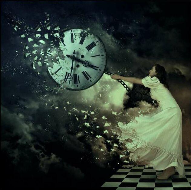 Прошлое нельзя изменить - это воспоминание. Всё, что произошло, неизбежно, можно только принимать или не принимать эту неизбежность. Станислав Милевич